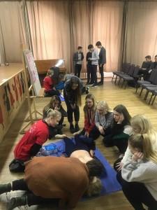 """Projektas ,,Tuk tuk širdele – būk sveika!"""" 2018 m. Vilniaus Šv. Kristoforo gimnazija gaivinimo diena (6)"""